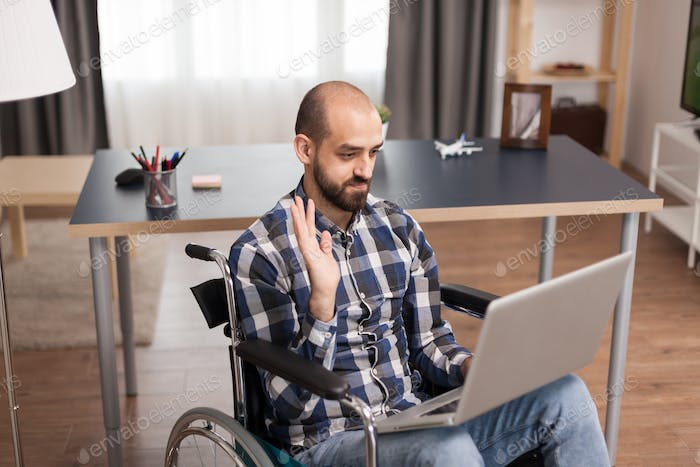Online communication for injured person