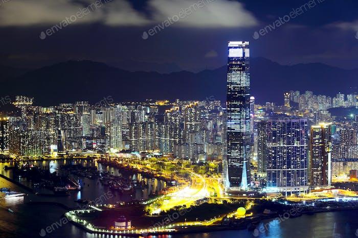 Kowloon Halbinsel in Hong Kong bei Nacht