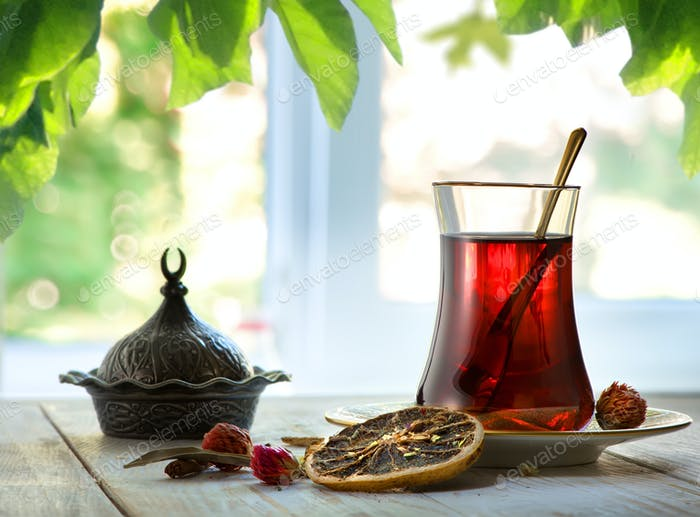 Fresh turkish tea