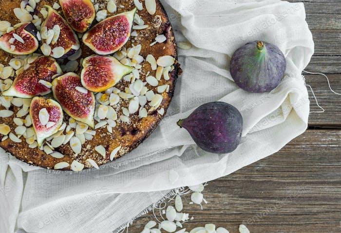 Fig pie on a white tissue