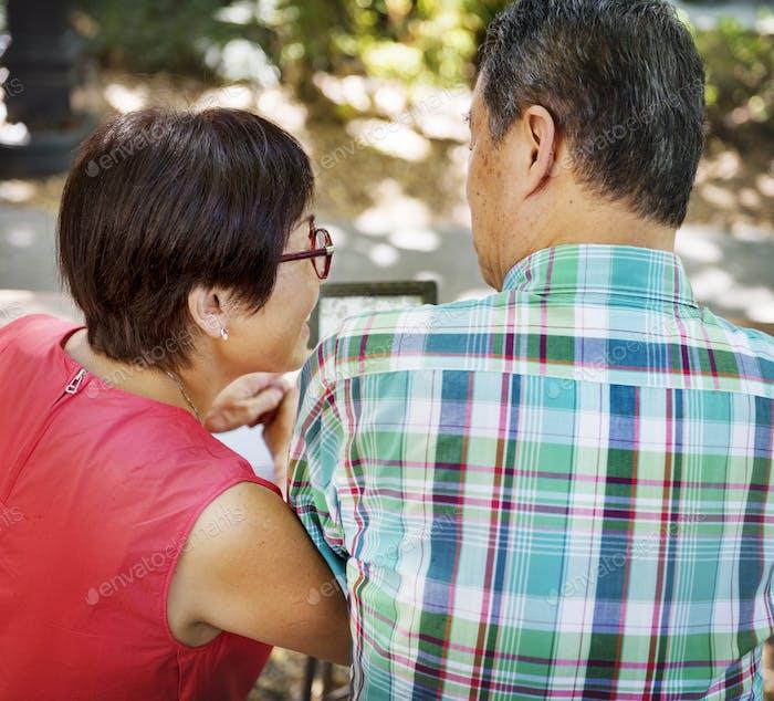Seniorenpaar Freizeit Außerhalb Konzept