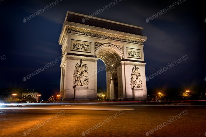 Arc de triomphe in evening