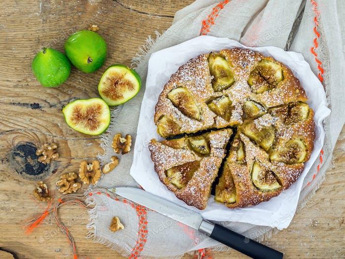 Fig pie with walnuts