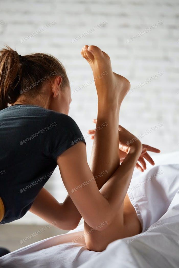 Full body massage in spa salon