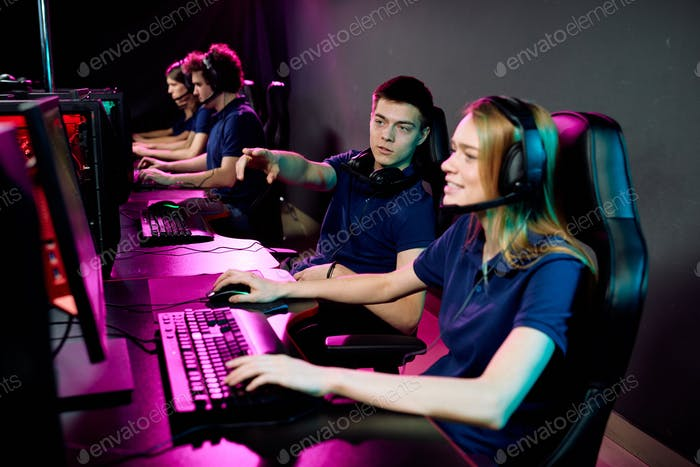 Cyber sport gamers preparing for competition