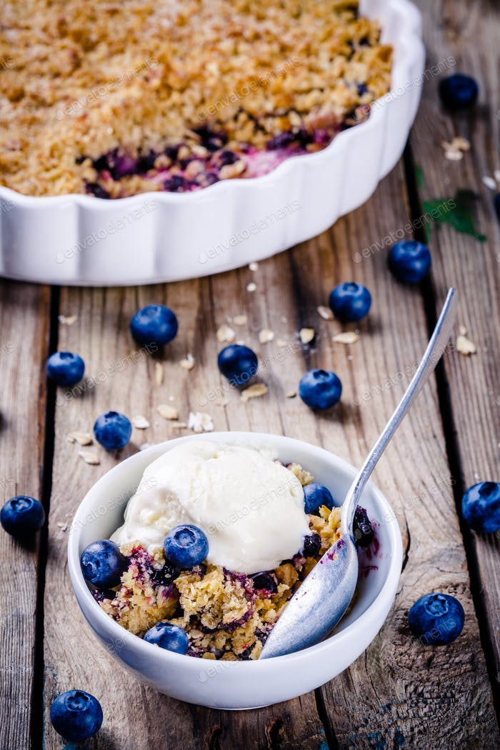 homemade oatmeal blueberry crumble with ice cream