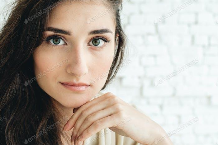 Женщина портрет природные красивые случайные красивые люди