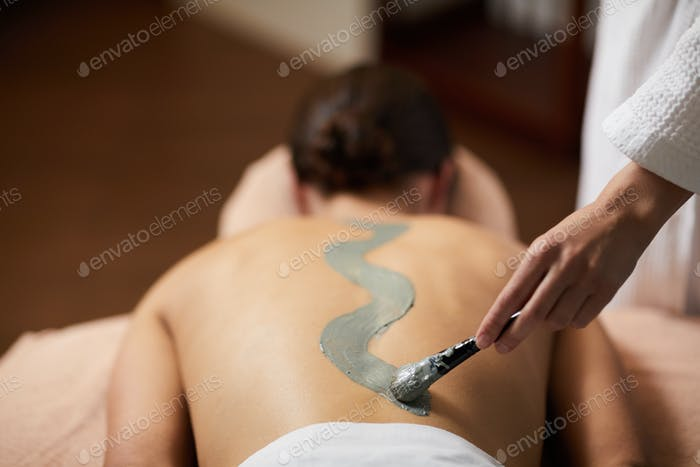 Spa procedure with clay