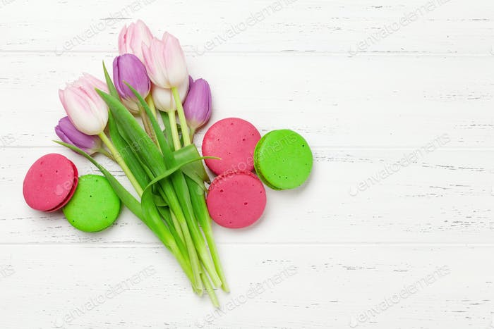 Tulip flowers and macaroon cookies