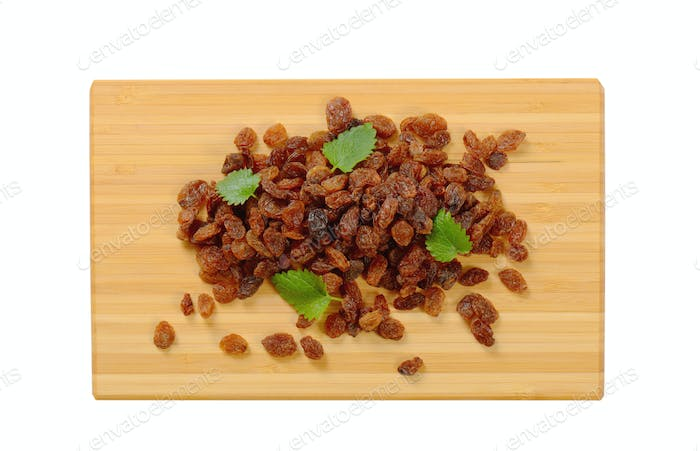 pile of sweet raisins