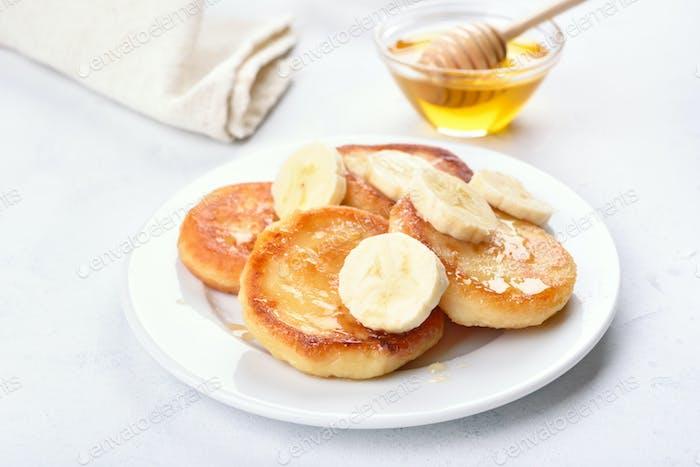 Curd cheese pancakes