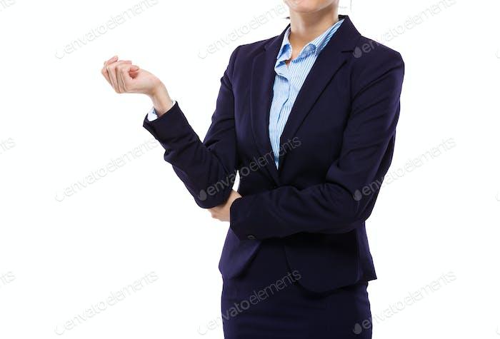 Parte del cuerpo de la mujer de negocios