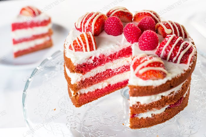 Red velvet cake with  strawberry and white chocolate