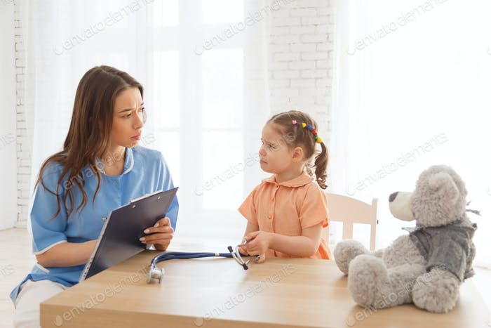 child at the reception of a pediatrician