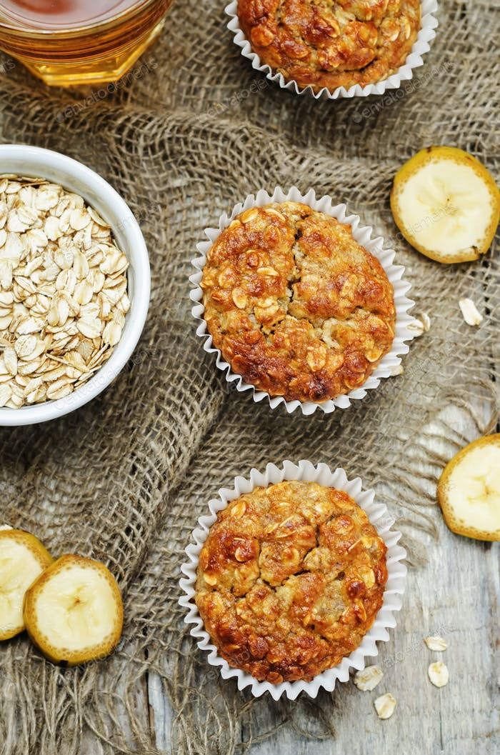 Oats banana muffins