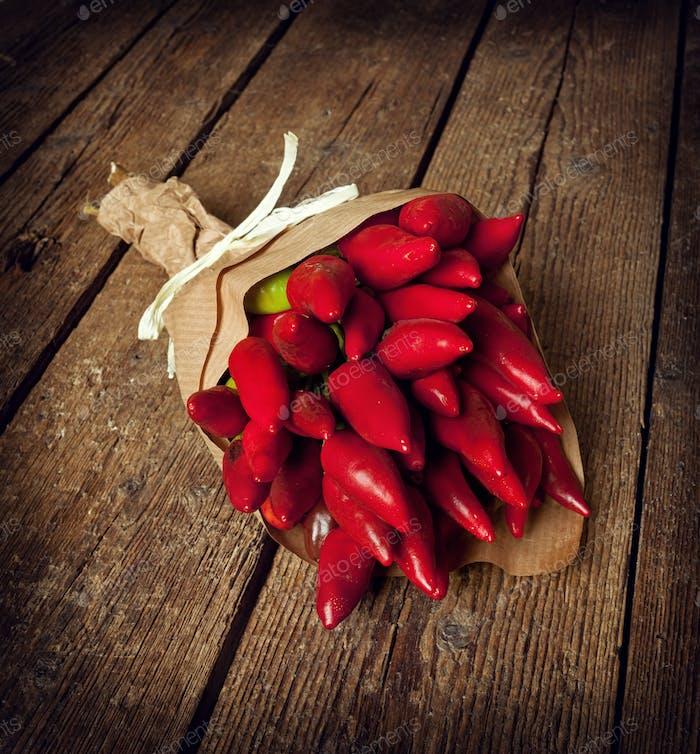 Bündel rote Paprika