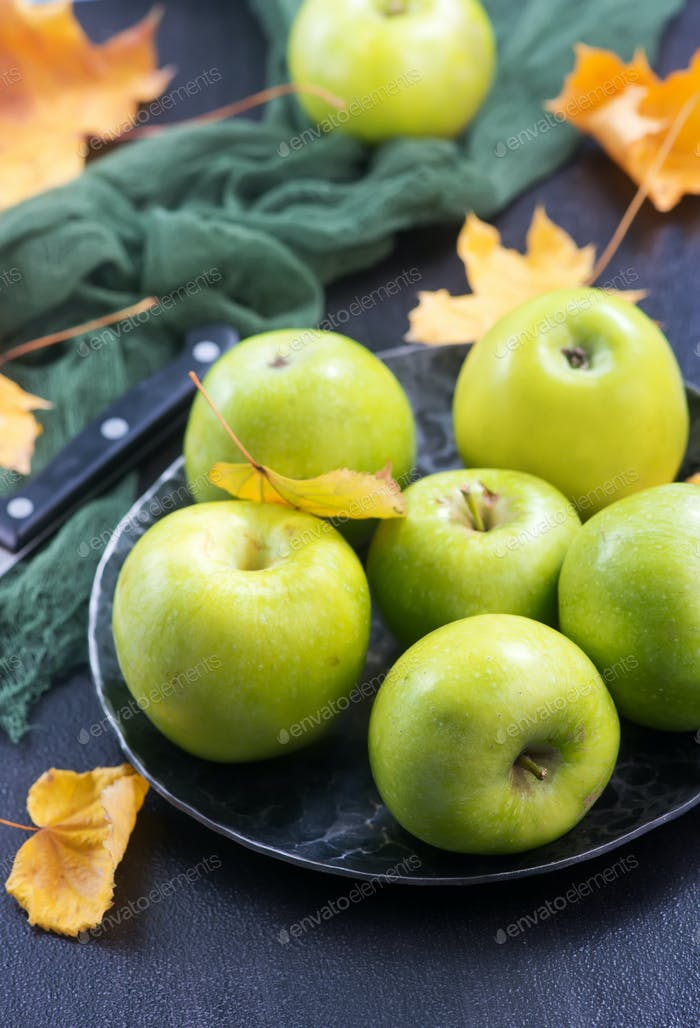 crop of apples