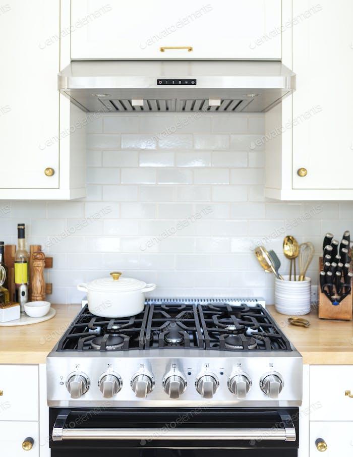 Modernes Design mit schwarzem Küchen-Kochfeld