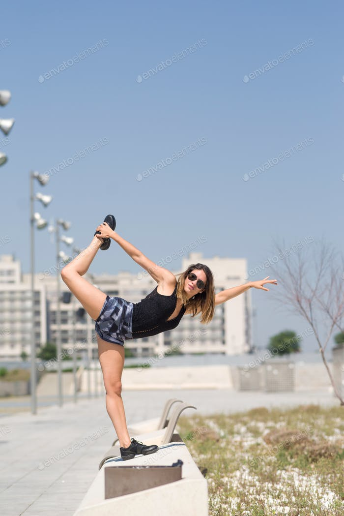 Dancer girl