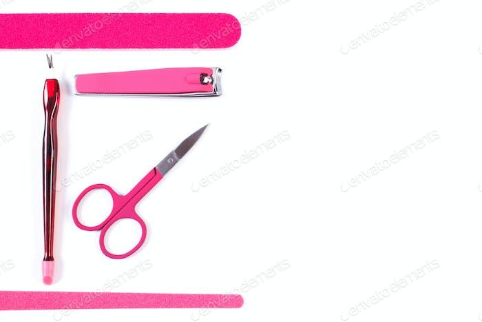 Set von Maniküre- oder Pediküre-Tools, Konzept der Nagelpflege, Kopierraum für Text auf weiß