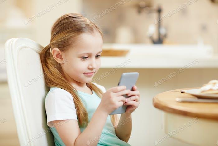 Child addicted to gadget