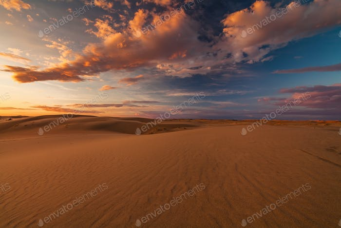 Schöne Aussicht auf die Wüste Gobi. Mongolei.