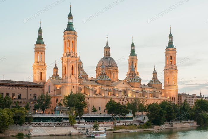 the Basilica del Pilar in Zaragoza