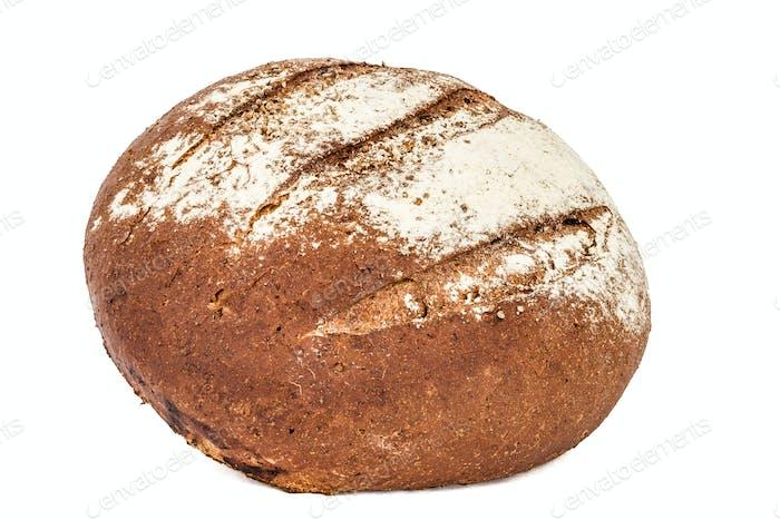 Brot mit appetitlicher knuspriger Kruste, isoliert auf weißem Hintergrund