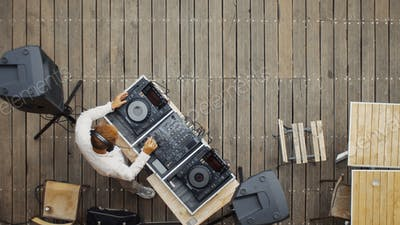 DJ view from above
