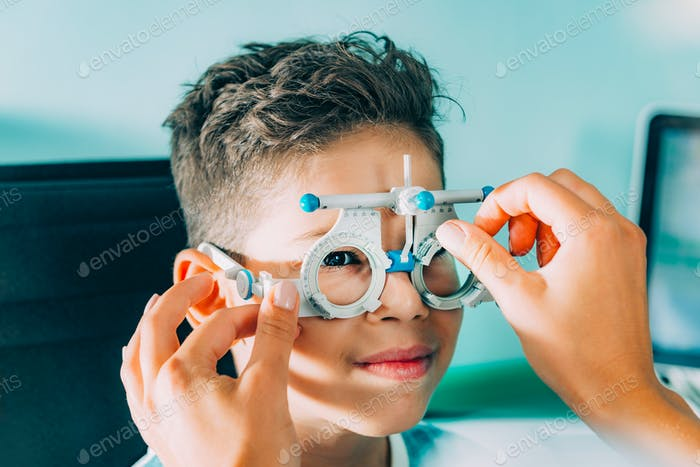 Ophthalmologist. Visual Acuity Testing.
