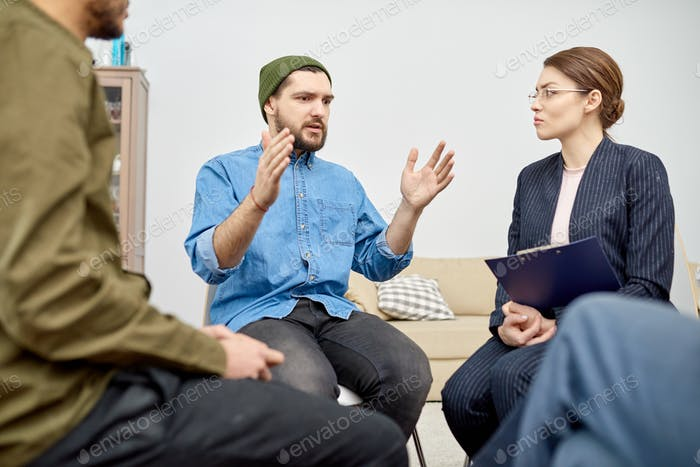 Support Group Undergoing Psychological Therapy
