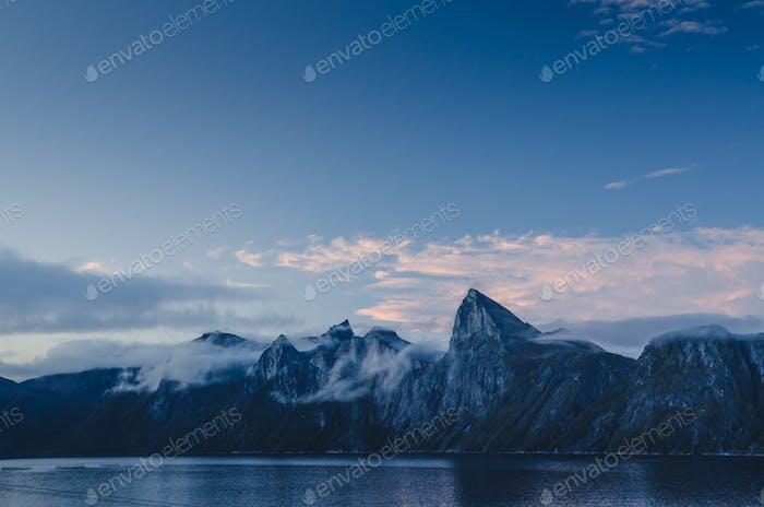 Senja mountain range, Segla