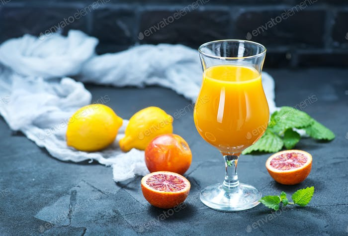 jugo de naranja y naranja