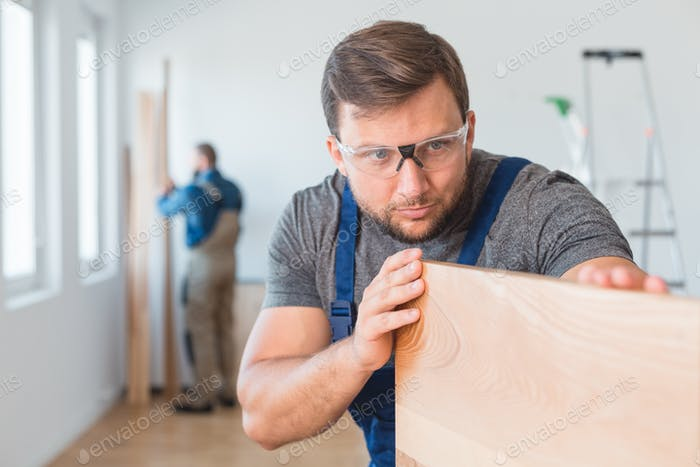 Mesuring the wood