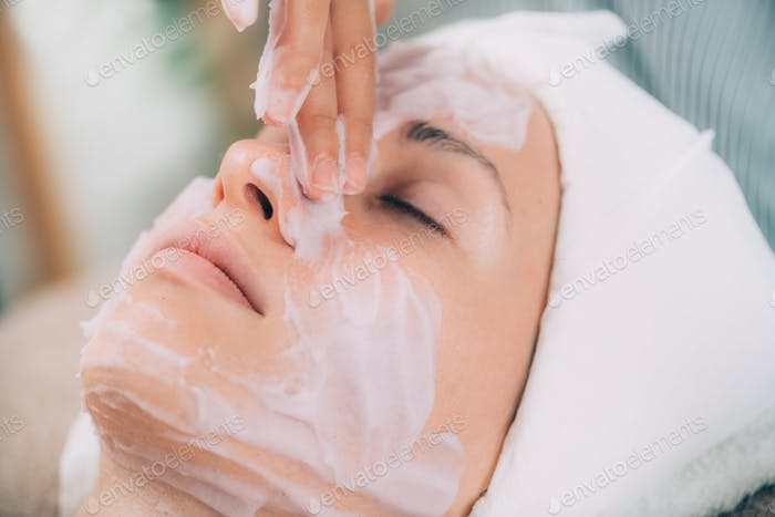 Face Calming Mask. Shaken Protein Mousse