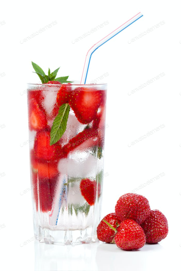 Strawberry cocktail with ice and mint