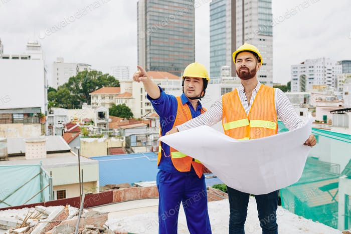 Builder and contractor at site