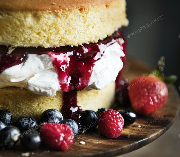 Homemade berry cake food photography recipe idea