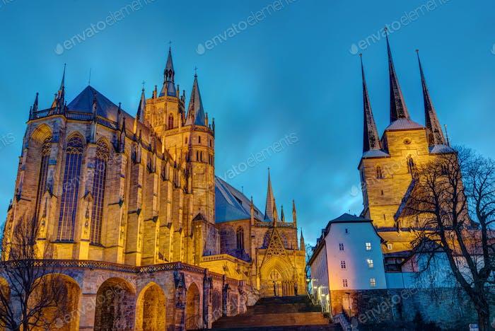 Der berühmte Dom und die Severi-Kirche in Erfurt