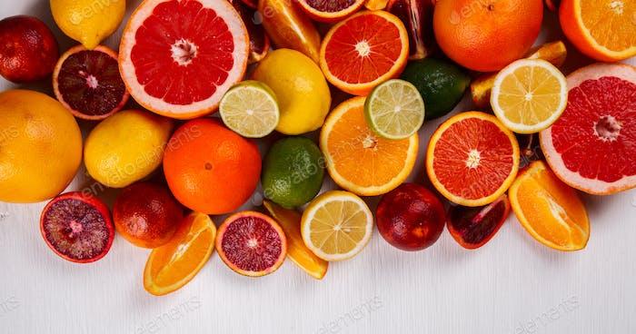 Verschiedene Zitrusfrüchte .Antivirale gesunde Ernährung. Immunitätswiederherstellung.