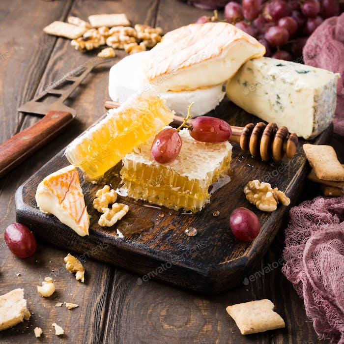 Honeycomb with assorted cheeses