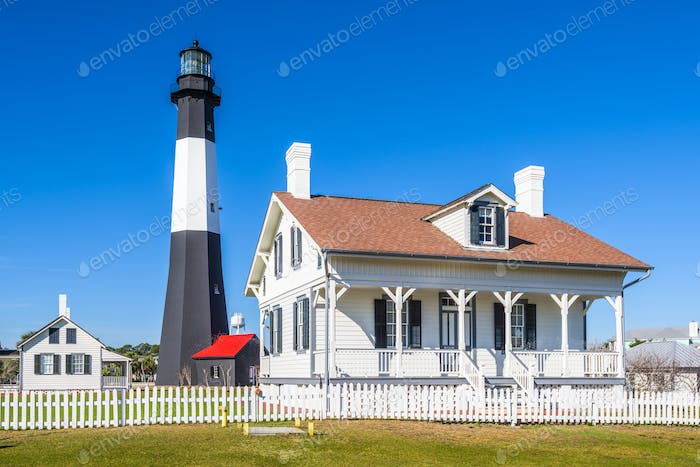 Tybe Island Light House