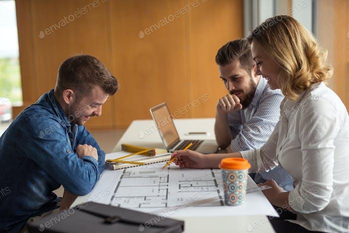 Travailler sur un plan de construction