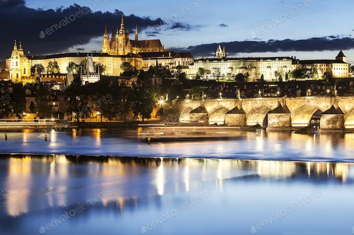 Prag bei Nacht, Tschechische Republik.
