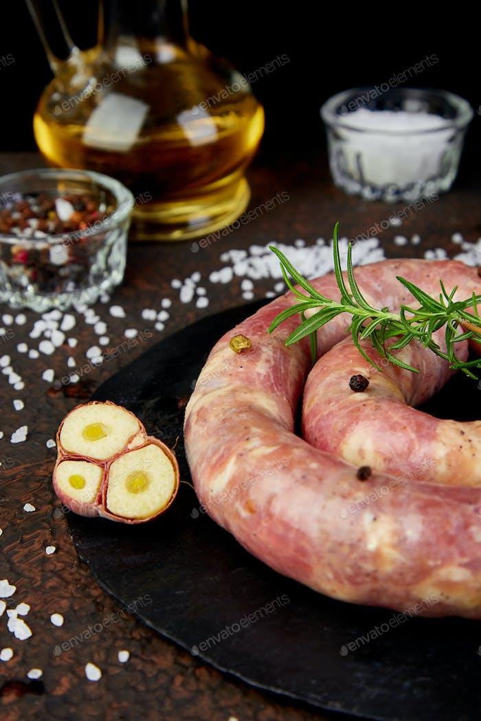 Rohe Spirale Schweinefleisch Würstchen