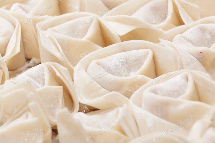 ungekochten chinesischen Fleischknödel