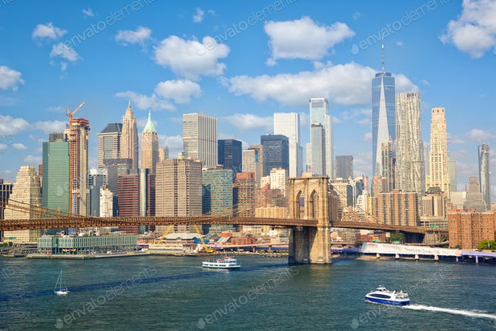 Famous New York skyline with Brooklyn Bridge