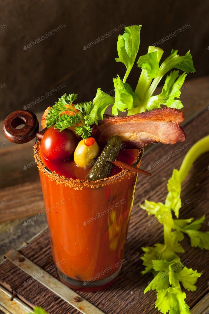 Hausgemachte Spicy Wodka Bloody Mary