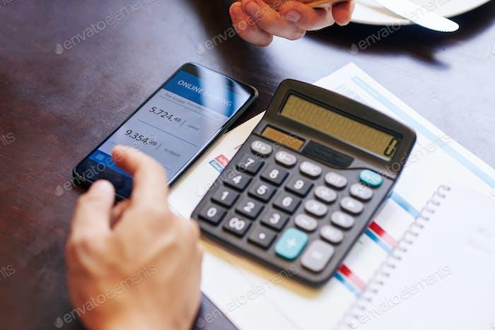 Bankkonto überprüfen