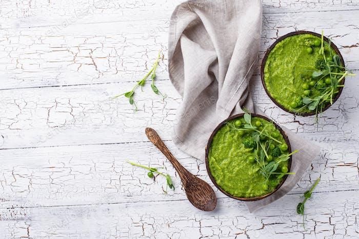 Vegane Brokkoli Suppe oder Smoothie